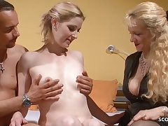 Mom Observe Youthfull Couple While Screw and Fap German